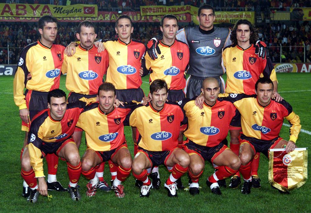 Galatasaray-2001-02-web
