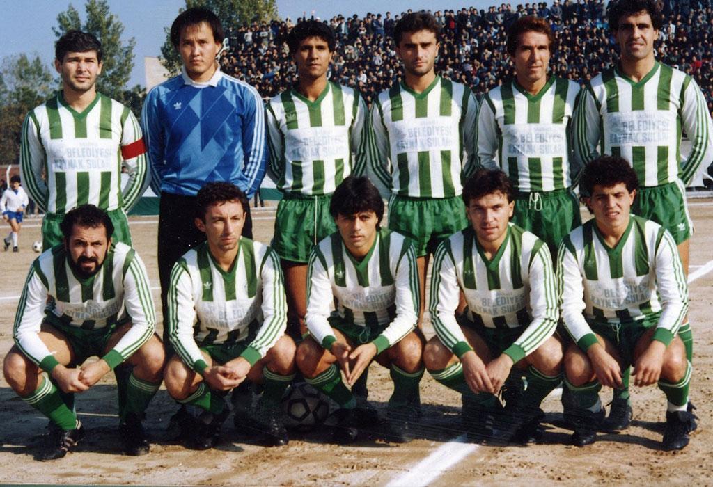 Yeni-Salihlispor-1987-88-web