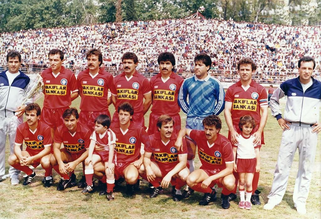 Ayaktakiler Oturanlar Antalyaspor 1985 1986