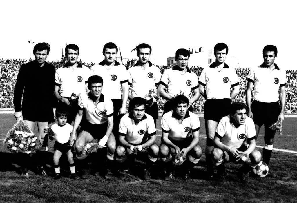 Besiktas-1966-67-web